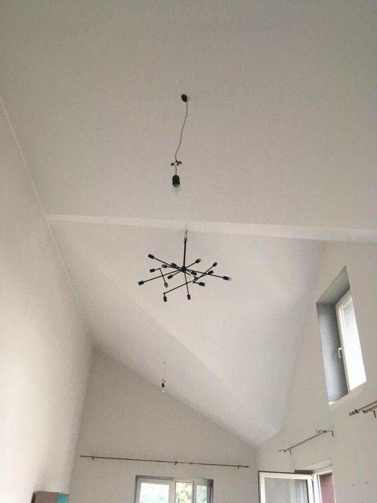 потолок с изломами